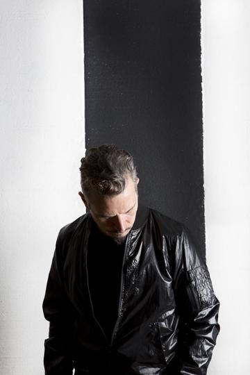 UDO TITZ / PORTRAITS / PETER KRUDER / 8